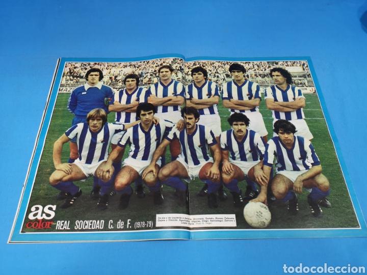 Coleccionismo deportivo: Revista AS COLOR NUM. 405. SALVÓ LA TEMPORADA. PÓSTER CENTRAL REAL SOCIEDAD - Foto 2 - 194002791