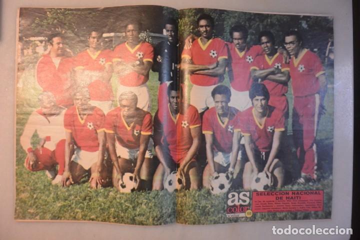 Coleccionismo deportivo: Revista as color nº 157, 21 mayo 1974. At Madrid, cayeron con las botas puestas. Poster Haiti - Foto 2 - 194651500