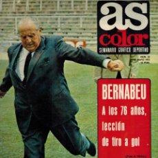 Coleccionismo deportivo: BERNABEU. A LOS 76 AÑOS LECCIÓN DE TIRO A G0L. Lote 194927775