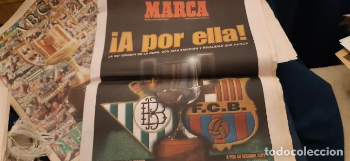 Coleccionismo deportivo: INCREÍBLE LOTE PERIÓDICO (RECORTES) Y SUPLEMENTOS FINAL COPA REY BARCELONA BETIS 28 JUNIO 1997. LEER - Foto 2 - 195055113