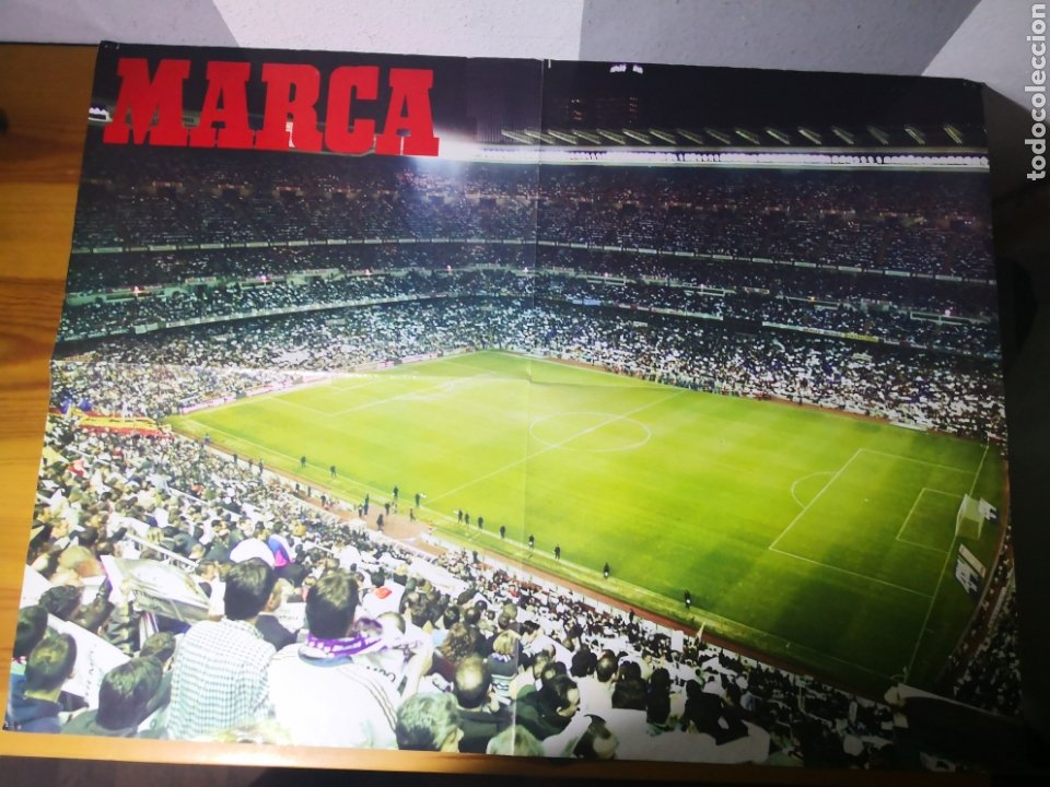 Coleccionismo deportivo: POSTER GIGANTE REAL MADRID CAMPEÓN OCTAVA COPA EUROPA 1999/2000 - Foto 2 - 195060050