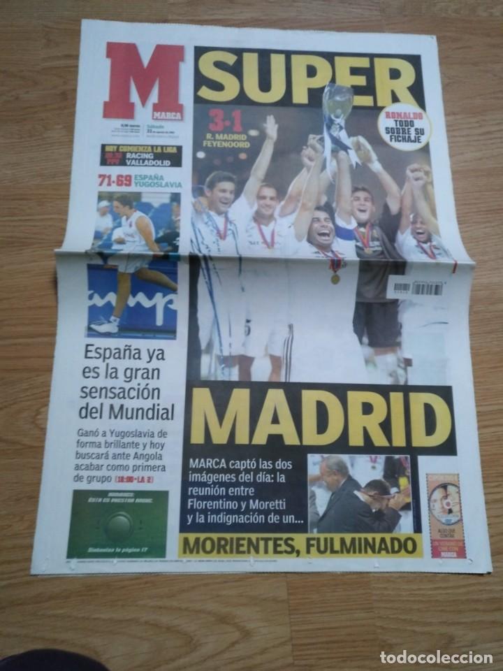 DIARIO MARCA 31 AGOSTO 2002: EL REAL MADRID GANA LA SUPERCOPA DE EUROPA ANTE EL FEYENOORD (Coleccionismo Deportivo - Revistas y Periódicos - As)