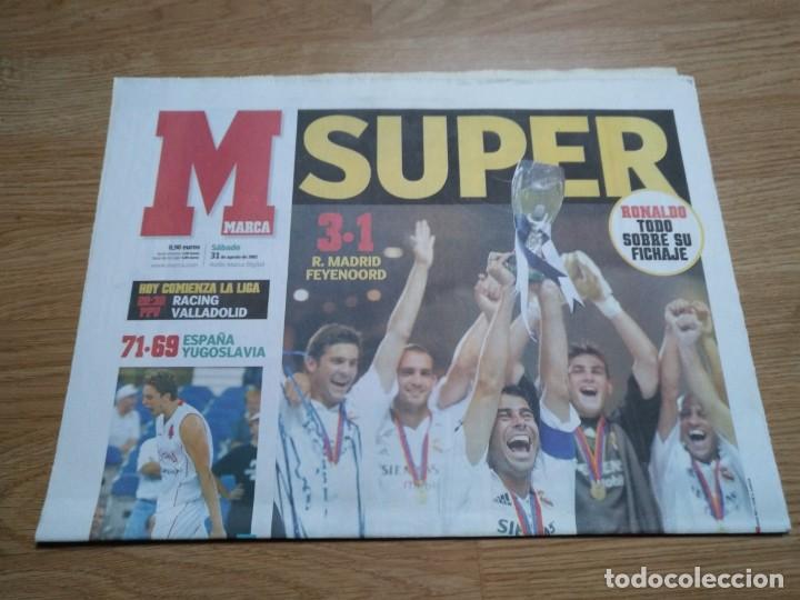 Coleccionismo deportivo: DIARIO MARCA 31 AGOSTO 2002: EL REAL MADRID GANA LA SUPERCOPA DE EUROPA ANTE EL FEYENOORD - Foto 3 - 195588180