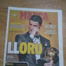 Coleccionismo deportivo: DIARIO MARCA 14 ENERO 2014-REAL MADRID CRISTIANO RONALDO BALON DE ORO 2013 - FIFA BALL D'OR 13. Lote 196003900