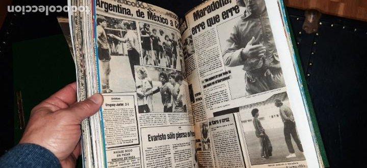 Coleccionismo deportivo: Periódico Sport sobre MARADONA 1984/1992 (Recortes) - Foto 8 - 203940488