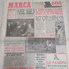 Coleccionismo deportivo: MARCA-26/1/61,VASCO DE GAMA Y REAL MADRID JUGARÁN EL DÍA 8 FEBRERO,ENTREVISTA TRASERA. Lote 204128706