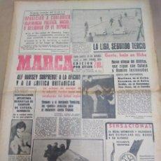 Coleccionismo deportivo: MARCA-9/2/63-SELECCIÓN INGLESA ALF RAMSEY SORPRENDE A LA AFICIÓN Y A LA CRÍTICA BRITÁNICA,. Lote 207000681