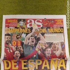 Coleccionismo deportivo: DIARIO AS ESPAÑA CAMPEONA DEL MUNDO SUDÁFRICA 2010. FALTAN PÁGINAS CENTRALES.. Lote 207858432