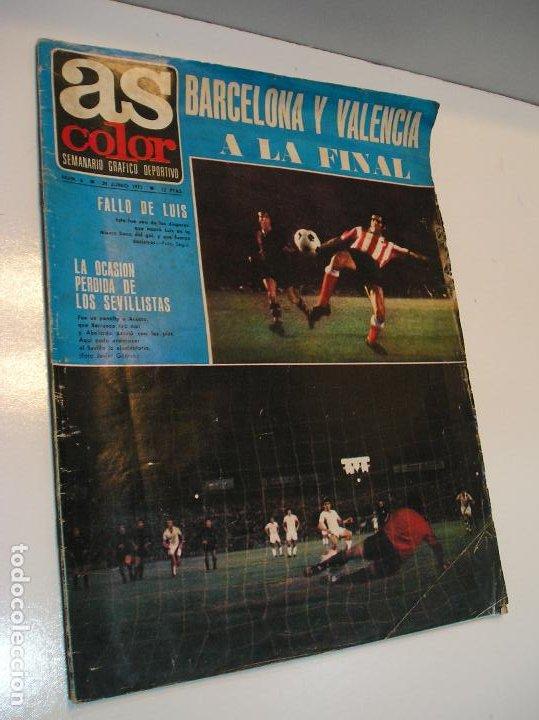 REVISTA AS COLOR Nº 6 1971. GRAN POSTER CF BARCELONA Nº 6 JULIO IGLESIAS DEJA EL FUTBOL (Coleccionismo Deportivo - Revistas y Periódicos - As)