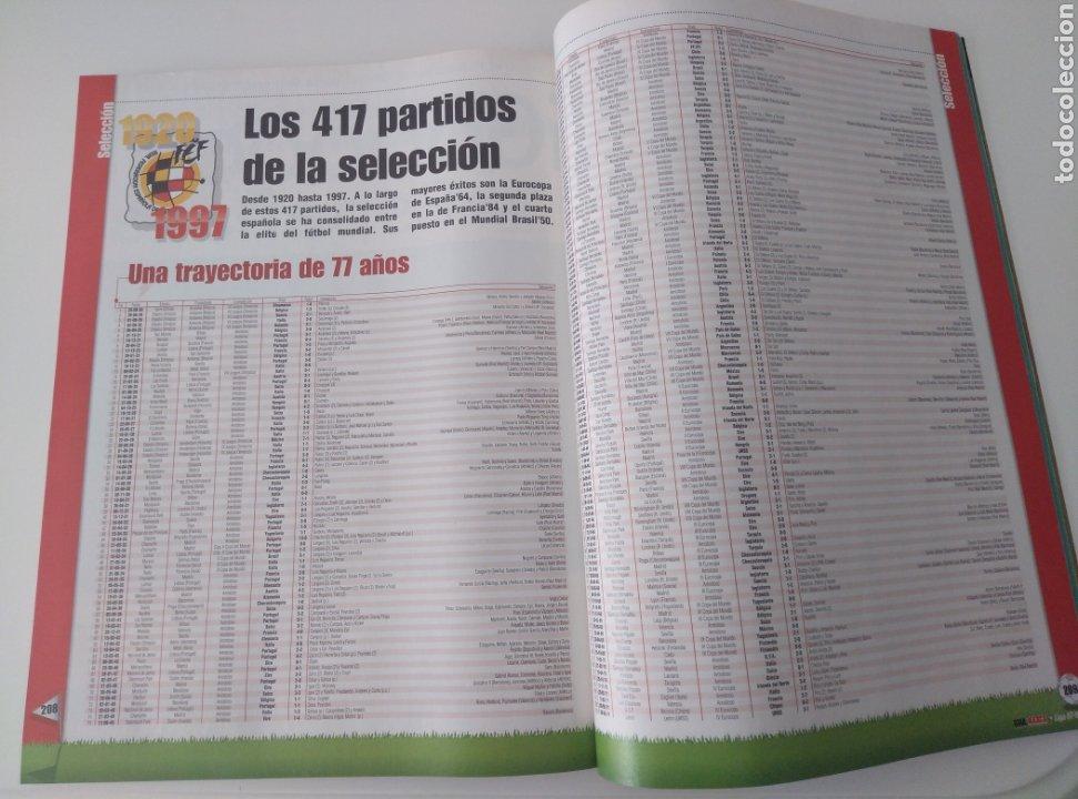 Coleccionismo deportivo: Fútbol Guía Marca. Anuario 97/98 - Foto 2 - 210319525