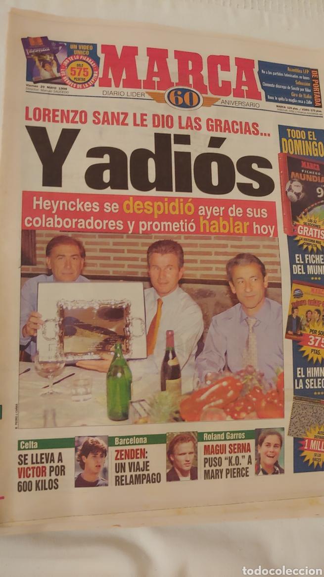 MARCA 1998 LORENZO SANZ LE DIO LAS GRACIAS Y ADIÓS (Coleccionismo Deportivo - Revistas y Periódicos - Marca)