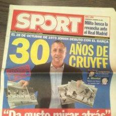 Coleccionismo deportivo: CRUYFF. DIARIO SPORT. 2003. 30 AÑOS DE DEBUT CON BARÇA. VER FOTOS. Lote 221716591