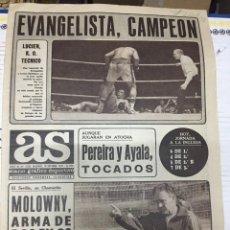 Coleccionismo deportivo: AS (10-9-1977) RODRIGUEZ EVANGELISTA CAMPEON BOXEO REAL MADRID SEVILLA GALLEGO AMAIANO MOLOWNY. Lote 222480841