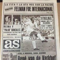 Coleccionismo deportivo: AS (2-11-1979) FELMAN STIELIKE REAL MADRID CASTRO SPORTING GIJON LUIS MOLOWNY CARRASCO BARCELONA. Lote 222590698