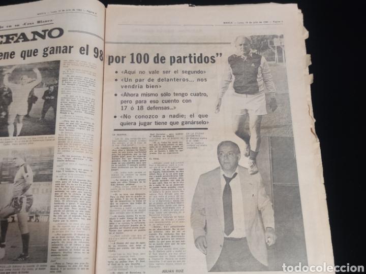 Coleccionismo deportivo: Di stefano,siempre Di stefano. Marca,lunes 19 de julio de 1982. - Foto 2 - 227578105