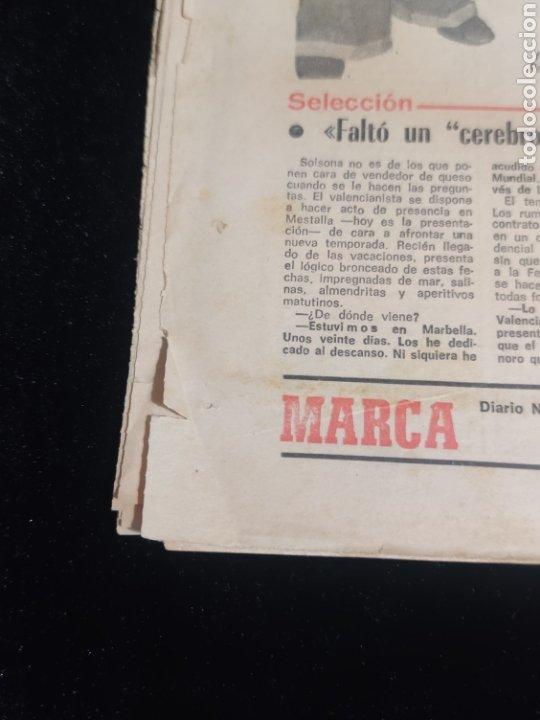 Coleccionismo deportivo: Di stefano,siempre Di stefano. Marca,lunes 19 de julio de 1982. - Foto 8 - 227578105