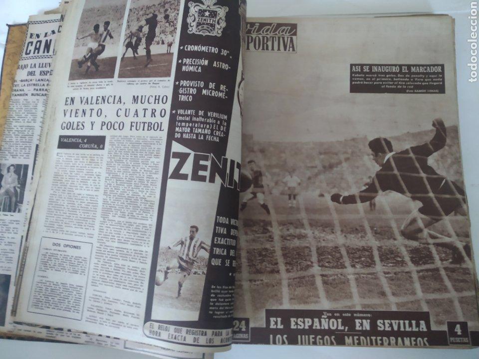 Coleccionismo deportivo: Libro con 29 periódicos de la Vida deportiva. Años 1954 -1955. - Foto 2 - 228670710