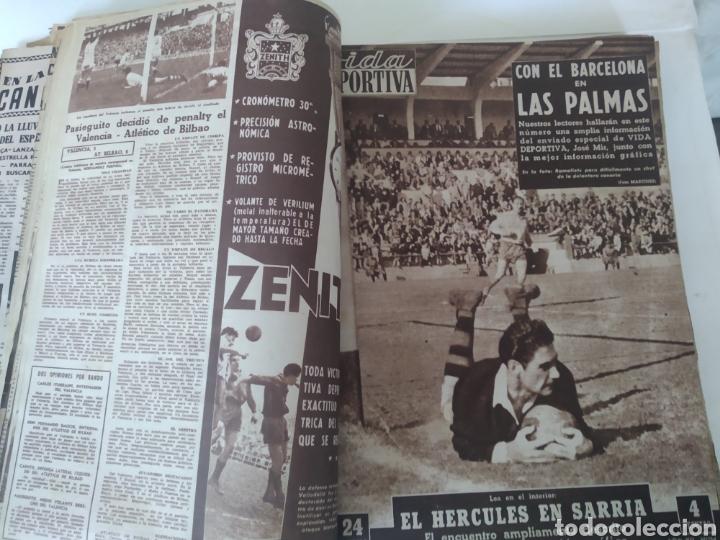 Coleccionismo deportivo: Libro con 29 periódicos de la Vida deportiva. Años 1954 -1955. - Foto 5 - 228670710