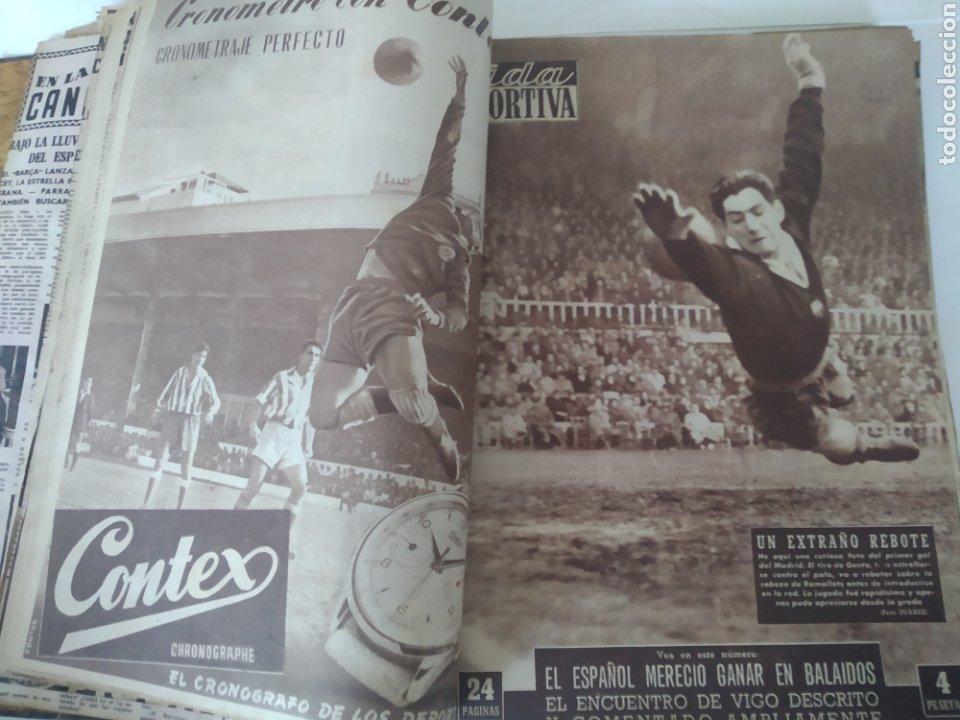 Coleccionismo deportivo: Libro con 29 periódicos de la Vida deportiva. Años 1954 -1955. - Foto 6 - 228670710
