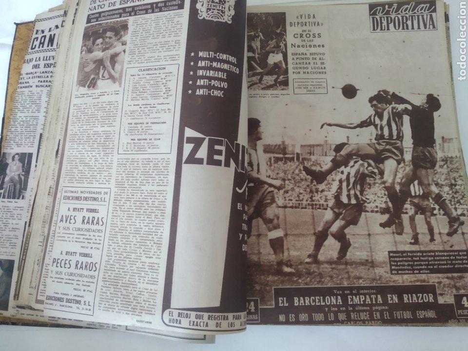 Coleccionismo deportivo: Libro con 29 periódicos de la Vida deportiva. Años 1954 -1955. - Foto 20 - 228670710