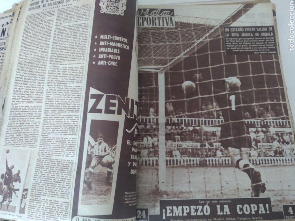 Coleccionismo deportivo: Libro con 29 periódicos de la Vida deportiva. Años 1954 -1955. - Foto 21 - 228670710