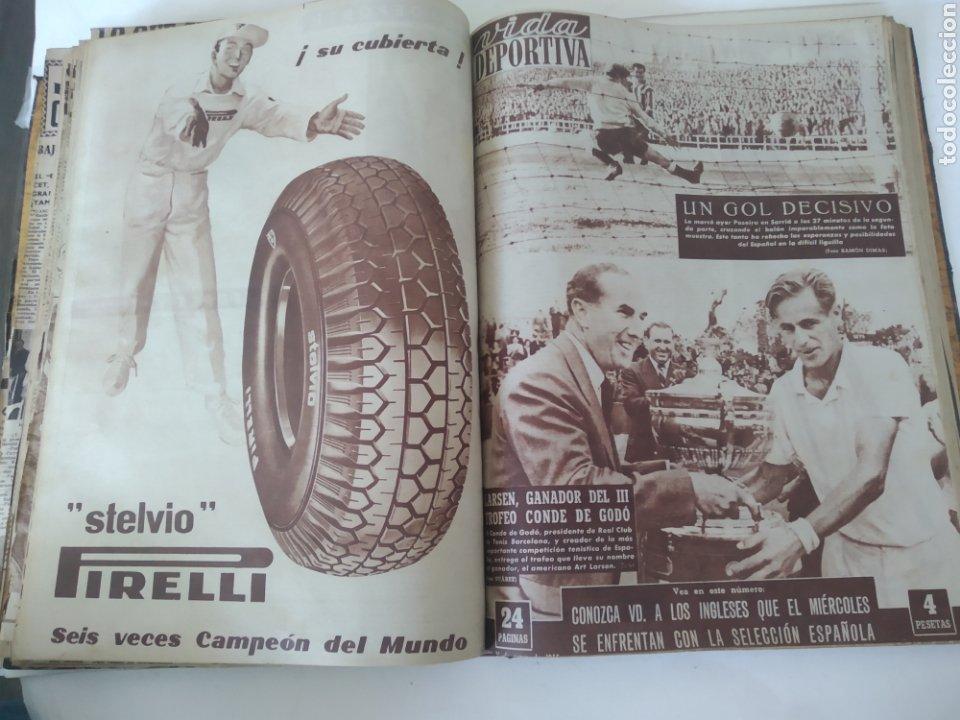 Coleccionismo deportivo: Libro con 29 periódicos de la Vida deportiva. Años 1954 -1955. - Foto 24 - 228670710