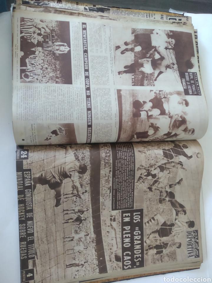 Coleccionismo deportivo: Libro con 29 periódicos de la Vida deportiva. Años 1954 -1955. - Foto 25 - 228670710
