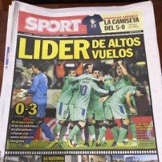 Colecionismo desportivo: PORTADA SPORT 05-12-2010 VICTORIA LIGA OSASUNA - FC BARCELONA. Lote 229330790