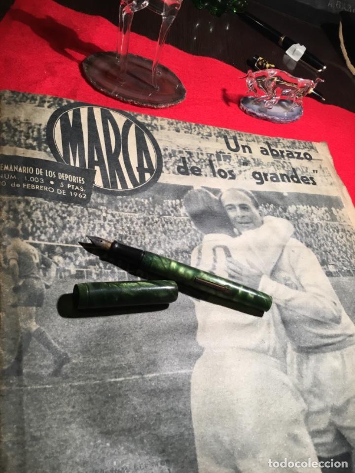 Coleccionismo deportivo: Antiguo periódico marca 1003 puskas,Di Stefano y Gento - Foto 2 - 230152475