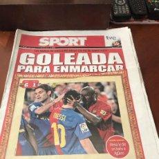 Colecionismo desportivo: PORTADA SPORT 05-10-2008 VICTORIA LIGA FC BARCELONA - AT MADRID GOLEADA. Lote 230736290
