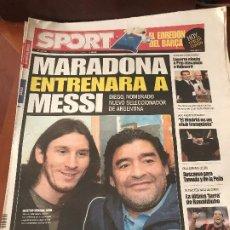 Coleccionismo deportivo: PORTADA SPORT 29-10-2008 MARADONA ENTRENARA A MESSI - VICTORIA COPA BENIDORM - FC BARCELONA. Lote 230738750
