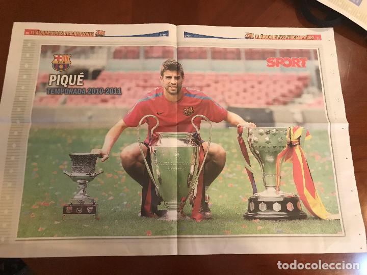 Coleccionismo deportivo: suplemento sport - pique - album de tricampeones + poster del fc barcelona 10-11 - Foto 2 - 231805545