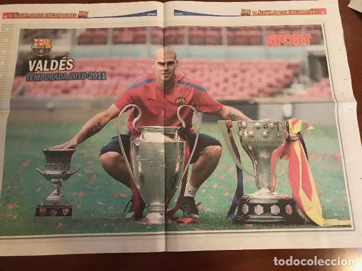Coleccionismo deportivo: suplemento sport - valdes - album de tricampeones + poster del fc barcelona 10-11 - Foto 2 - 231805695