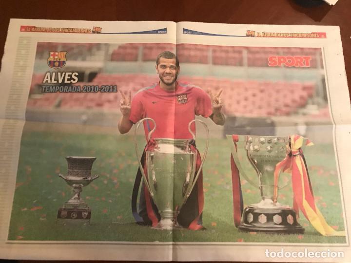 Coleccionismo deportivo: suplemento sport - alves - album de tricampeones + poster del fc barcelona 10-11 - Foto 2 - 231805935