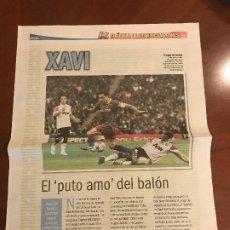 Coleccionismo deportivo: SUPLEMENTO SPORT - XAVI - ALBUM DE TRICAMPEONES + POSTER DEL FC BARCELONA 10-11. Lote 231806120