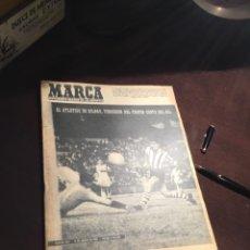 Coleccionismo deportivo: ANTIGUO PERIODICO ATHLETIC CLUB DE BILBAO CAMPEÓN NUEVO TROFEO 1961. Lote 234123540