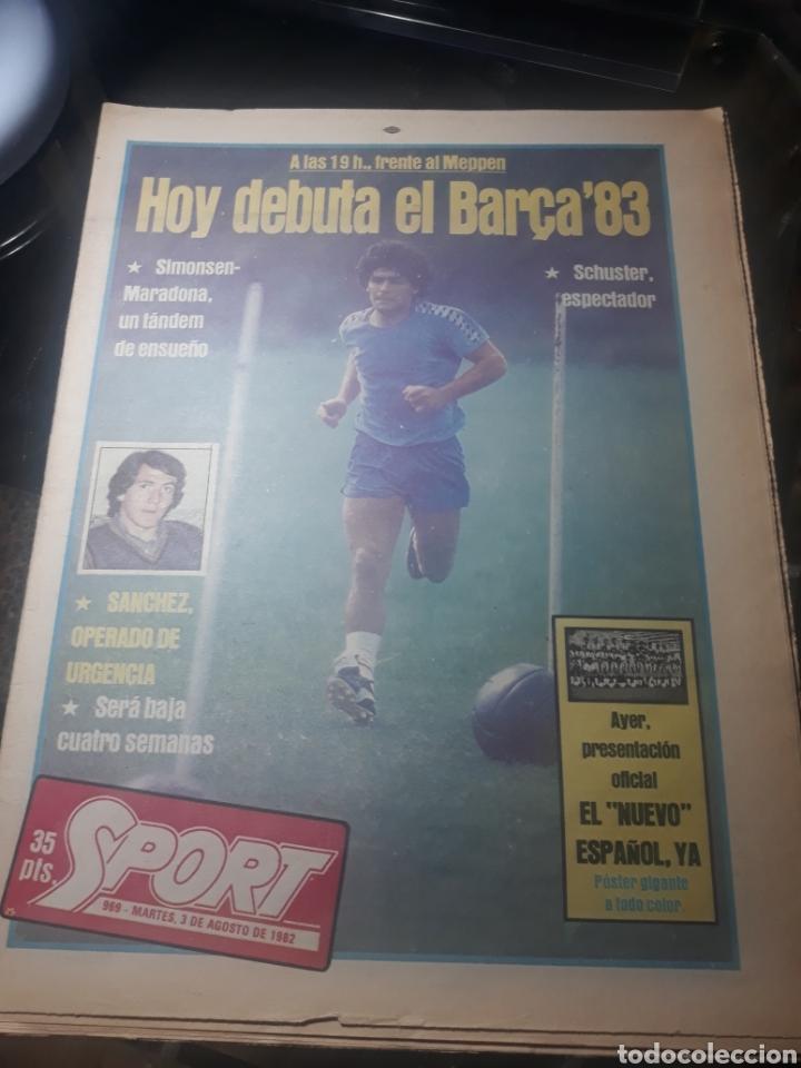 DIARIO SPORT N° 969 . 3 AGOSTO 1982 .HOY DEBUTA EL BARCA 83. SIMONSEN - MARADONA. POSTER ESPAÑOL 83 (Coleccionismo Deportivo - Revistas y Periódicos - Sport)