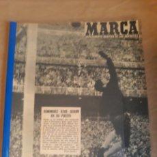 Coleccionismo deportivo: REVISTA MARCA 1959 .REAL MADRID 2 - BARCELONA 0 - GENTO - HOMENAJE PUCHADES - MAX BAUER , BOXEADOR. Lote 237662490