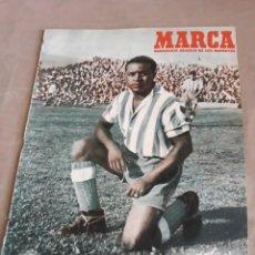 Coleccionismo deportivo: MARCA 1950 . REAL MADRID 2 VALLADOLID 1 - DESFILE DE EQUIPOS SABADELL Y MANRESA. Lote 241444415