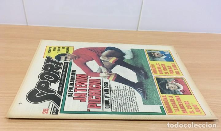 Coleccionismo deportivo: DIARIO DEPORTIVO SPORT Nº 211 - 10 JUNIO 1980 - QUINI AL FC BARCELONA - MARADONA AL CAER - Foto 2 - 242224535