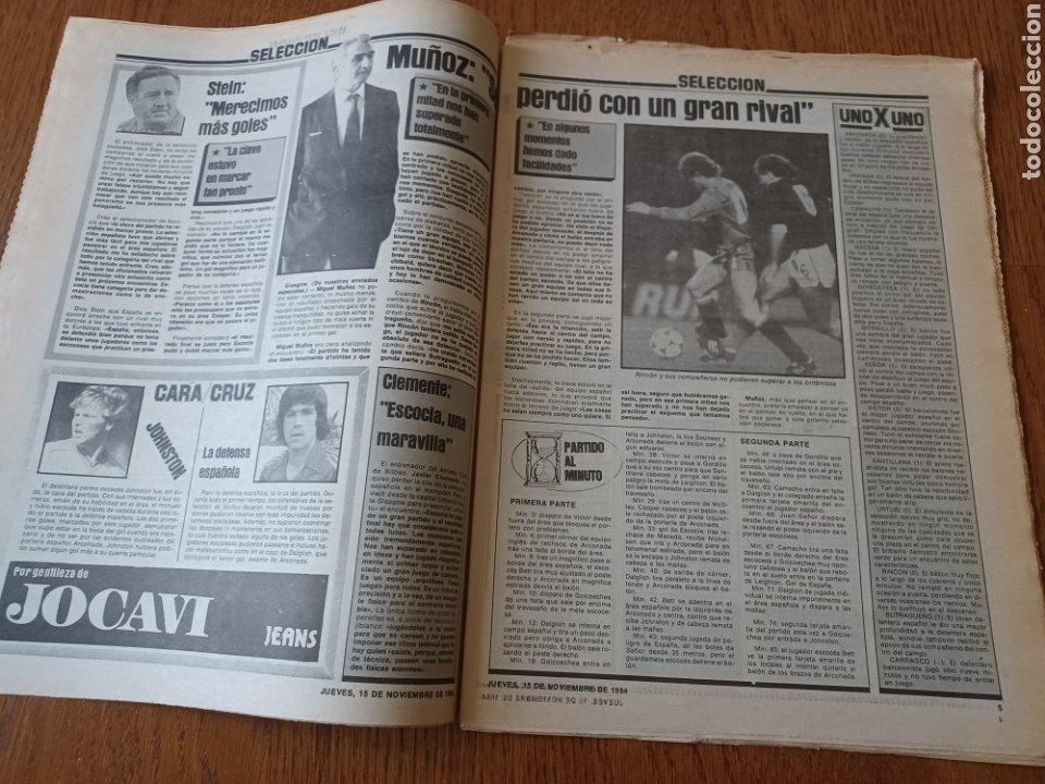 Coleccionismo deportivo: SPORT 15 NOVIEMBRE 1984. ESCOCIA 3 ESPAÑA 1 ¡ QUÉ BAÑO! .ARKONADA Y VÍCTOR, LOS MEJORES. URQUIAGA. - Foto 3 - 253825260