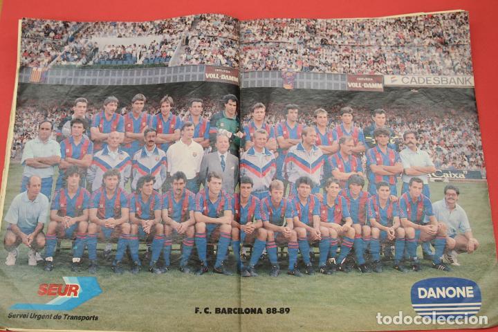 Coleccionismo deportivo: El Mundo Deportivo EXTRA LIGA 88-89 POSTER CENTRAL DEL F.C. BARCELONA - Foto 3 - 255970160