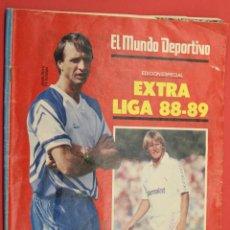 Coleccionismo deportivo: EL MUNDO DEPORTIVO EXTRA LIGA 88-89 POSTER CENTRAL DEL F.C. BARCELONA. Lote 255970160