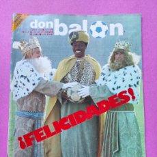 Coleccionismo deportivo: REVISTA DON BALON Nº 376 POSTER CROMOS SEVILLA FC 82/83 1982/1983 - RCD ESPANYOL - MARADONA. Lote 257381125