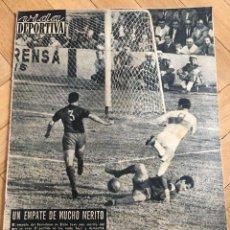 Coleccionismo deportivo: VIDA DEPORTIVA (23-10-1962) REPORTAJE SOBRE BOXEADOR JOE LOUIS EVERTON IPSWICH. Lote 262173045