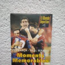 Coleccionismo deportivo: ELS BARÇA - REAL MADRID. MOMENTS MEMORABLES. Lote 262576825