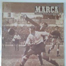 Coleccionismo deportivo: MARCA SEMANARIO GRÁFICO DEPORTIVO NÚMERO 255 FECHA 21 OCTUBRE DE 1947. Lote 263018725