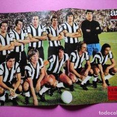 Coleccionismo deportivo: REVISTA AS COLOR Nº 121 POSTER CD CASTELLON 73/74 ALINEACION LIGA 1973/1974 FABREGAT MULLER. Lote 263648825