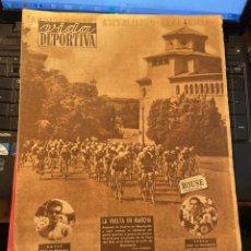 Coleccionismo deportivo: ANTIGUA REVISTA - VIDA DEPORTIVA 6-9-1954 AÑO XI Nº 468 VUELTA A CATALUÑA - ESPAÑOL 4 HANNOVER 2. Lote 268133154