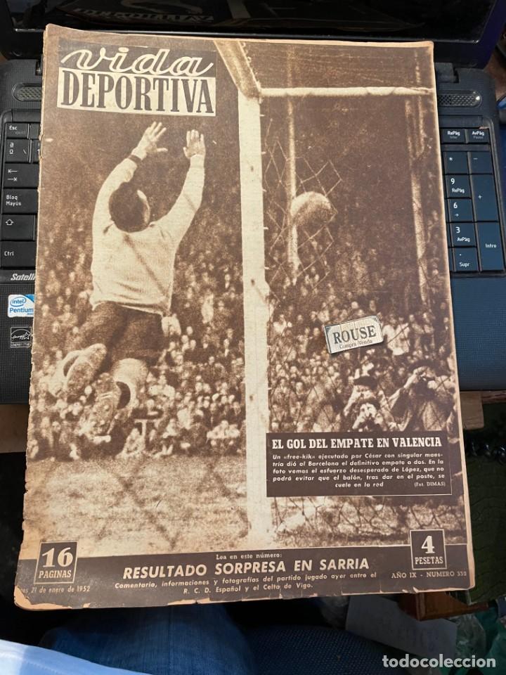 VIDA DEPORTIVA - 21-1-1952 AÑO IX Nº. 332 - ESPAÑOL 0 CELTA 2 VALENCIA 2 BARCELONA 2 (Coleccionismo Deportivo - Revistas y Periódicos - Vida Deportiva)